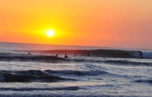 Surf en Kuta, pillando las últimas olas